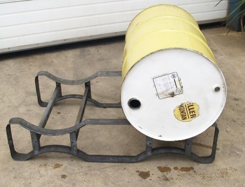 Lagergestell für 200 Liter Ölfässer