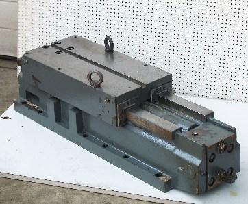 Maschinentisch mit hydraulischem Vorschub