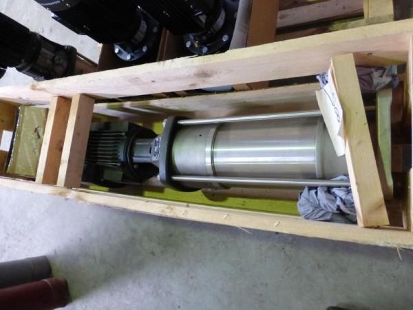 Vertikale mehrstufige Hochdruckkreiselpumpe Neuwertige Kreiselpumpe mit 9 Pumpenstufen als Ersatztei