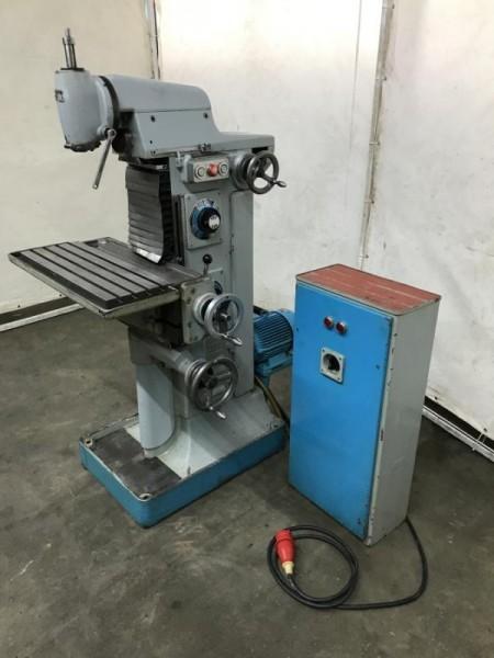 Univ. Werkzeugfräsmaschine