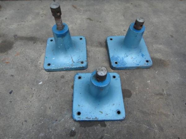 3 Stück höhenverstellbare Füße aus Stahlguß