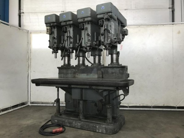 Reihenbohrmaschine mit 4 Stationen