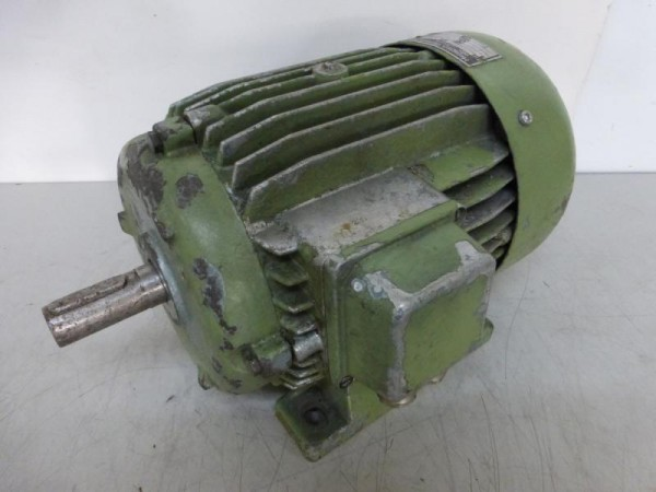 Polumschaltbarer Elektromotor, E-Motor, Drehstrommotor, Kraftstrommotor Fußmotor B3
